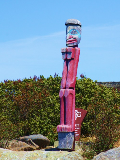 BACK OFF DUDE! Guardian totem of Bella Bella islet, sacred burial ground of the Heiltsuk Nation